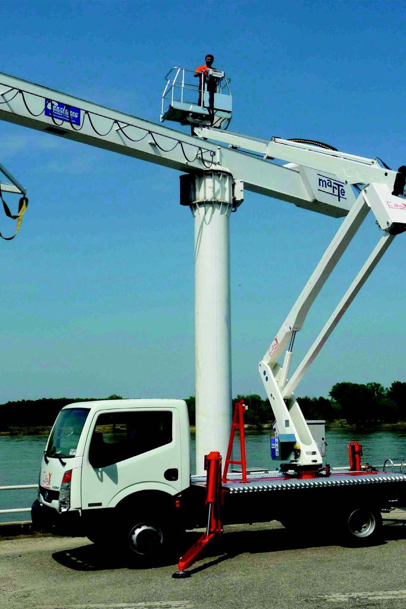 EasyLift EZ190 – Truck-mounted articulated platform